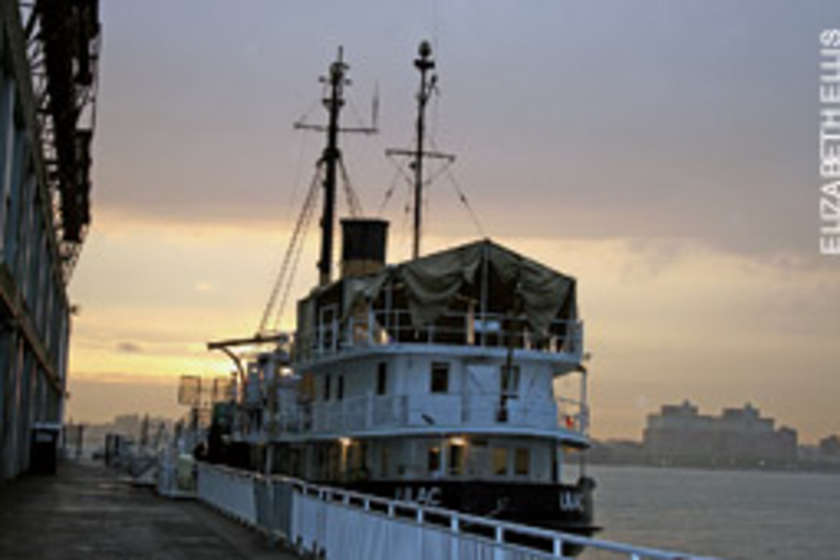 The 1933 steamship Lilac has been restored primarily by inner-city high school students and now serves as a venue for performances and photo shoots.
