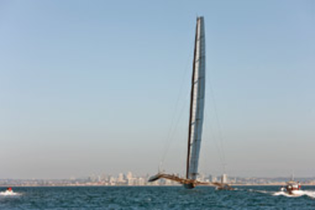 BMW Oracle trials its new 190-foot-tall rigid wing.