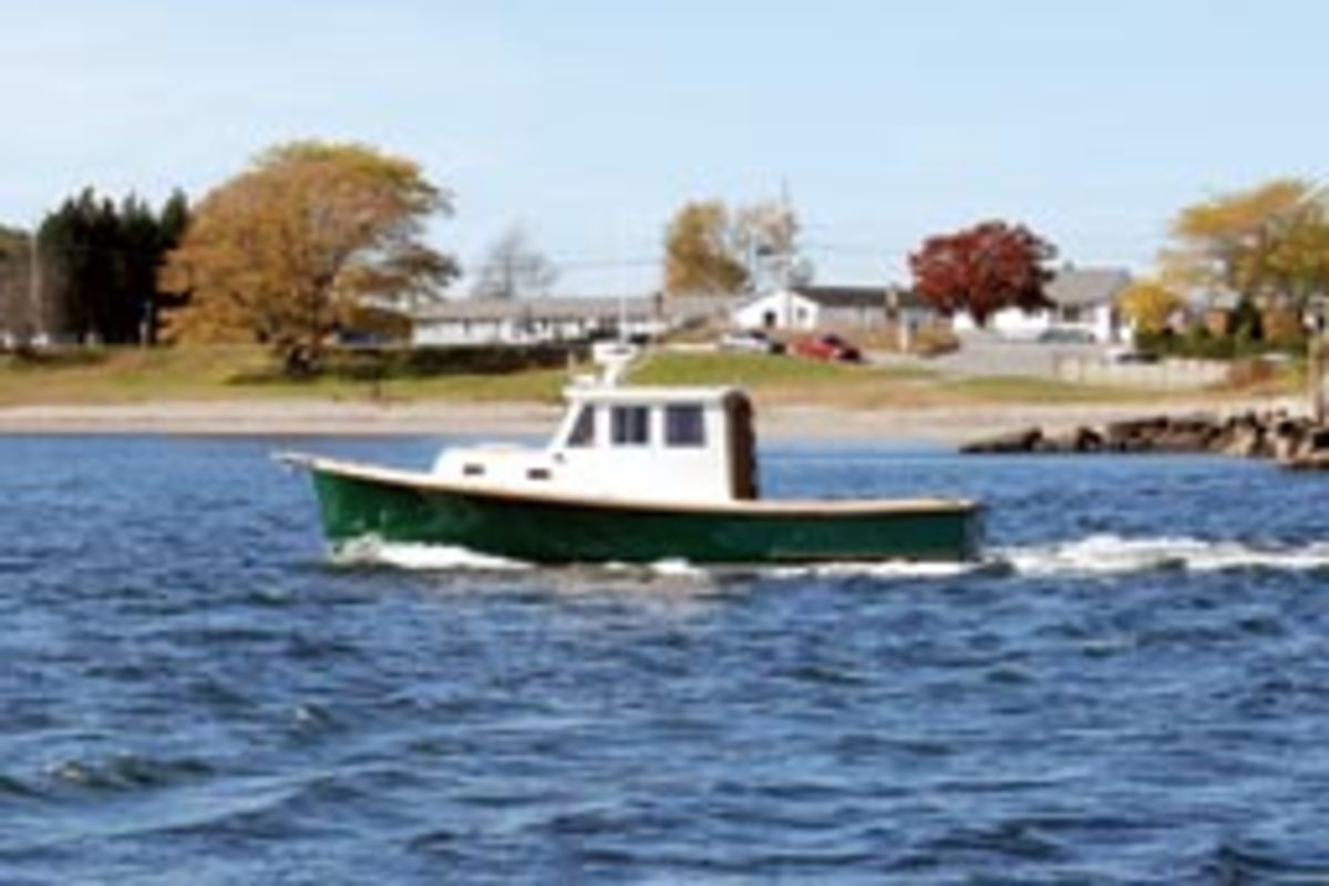 The Gurnet Point 25 was designed by James Lowell and is finished to custom specifications by Halifax, Mass.-based South Shore Boatworks.