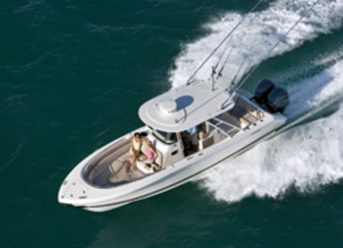 The ST 310 is one of the builder's 'Sport' models that combine fishing and cruising features.
