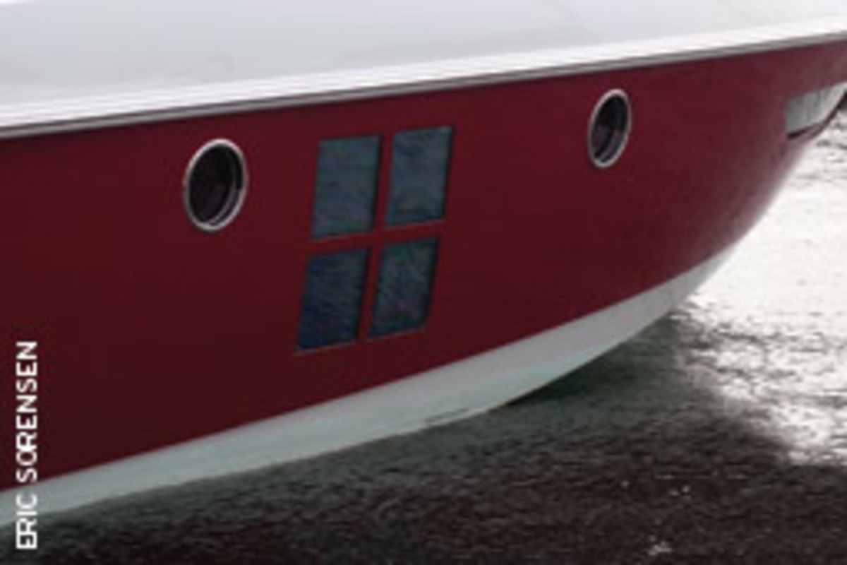 This hull has a large window stretching down to within 18 inches of the waterline, which is unbelievable for a boat that's marketed as ocean-capable.