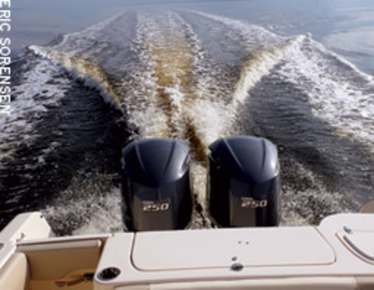 A 30-foot outboard dual console on plane at just 11 knots - this bodes well for the boat's get-home capability in rough water.