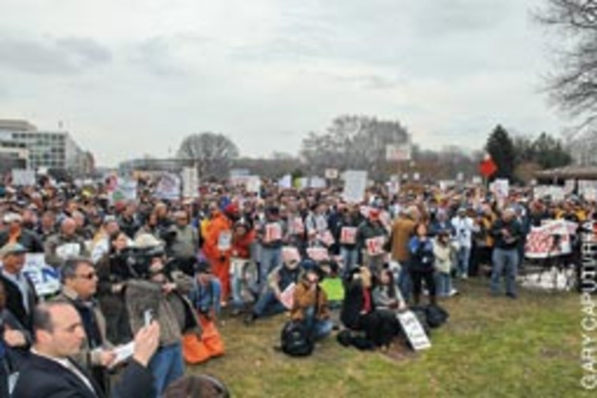 A crowd of recreational and commercial fishermen, estimated at 5,000, came to Washington, D.C., from as far away as California.