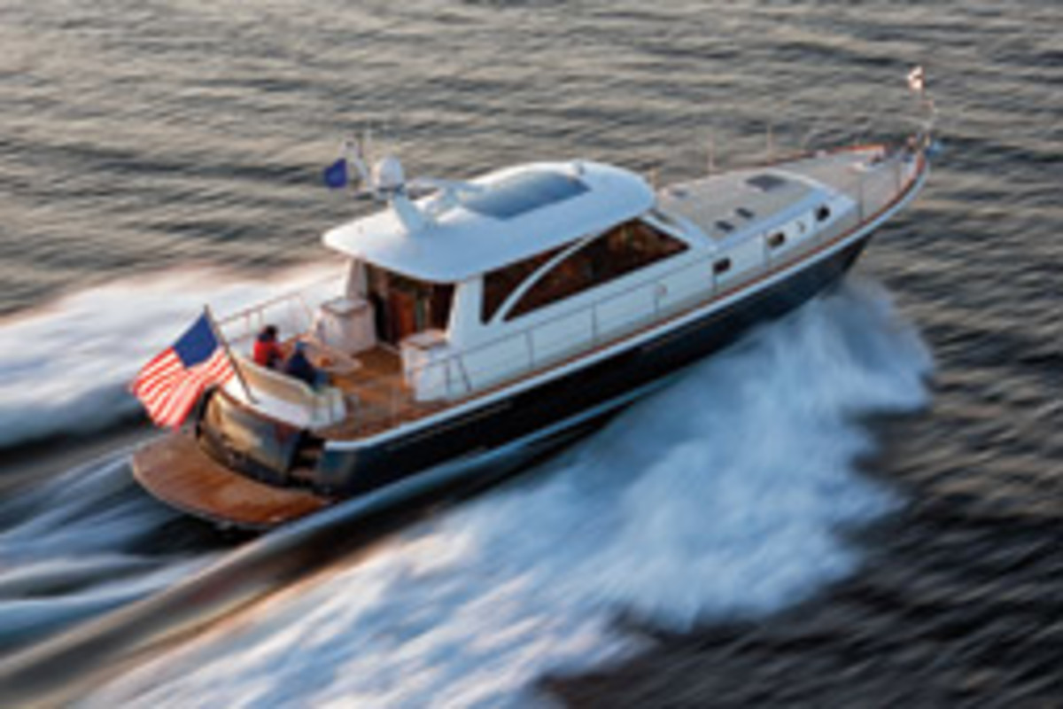 This Hunt 52 features a deep-vee hull with steep entry, bow flare and efficient chines.