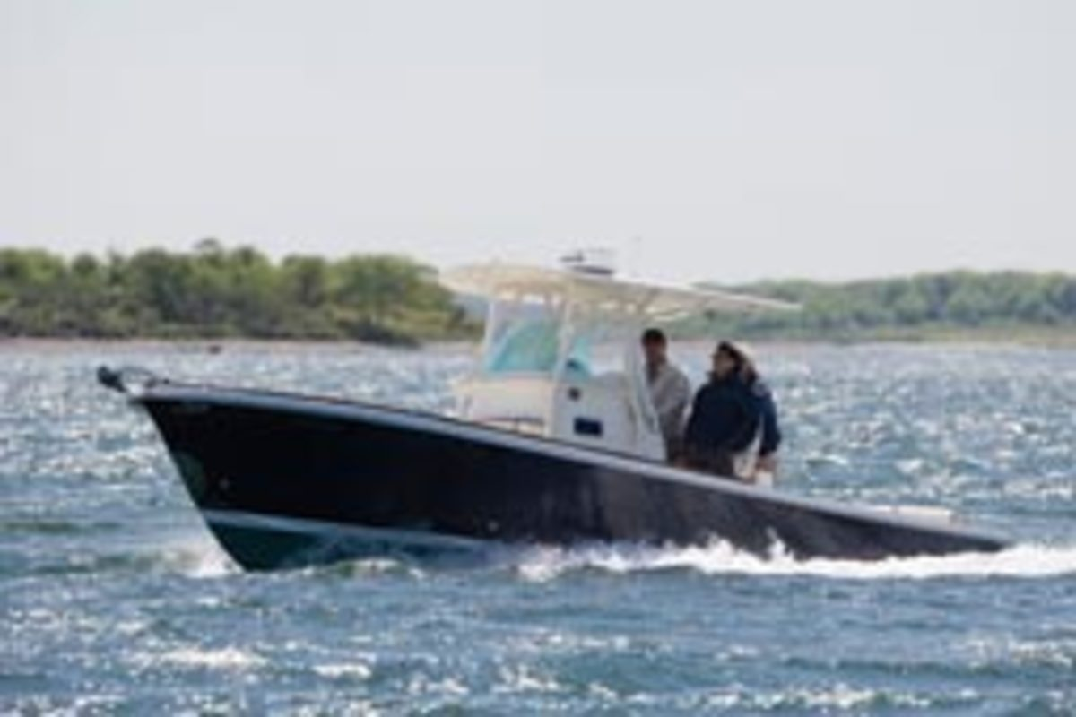 Hunt Yachts' deep-vee hull produces a superior ride and improved efficiency.