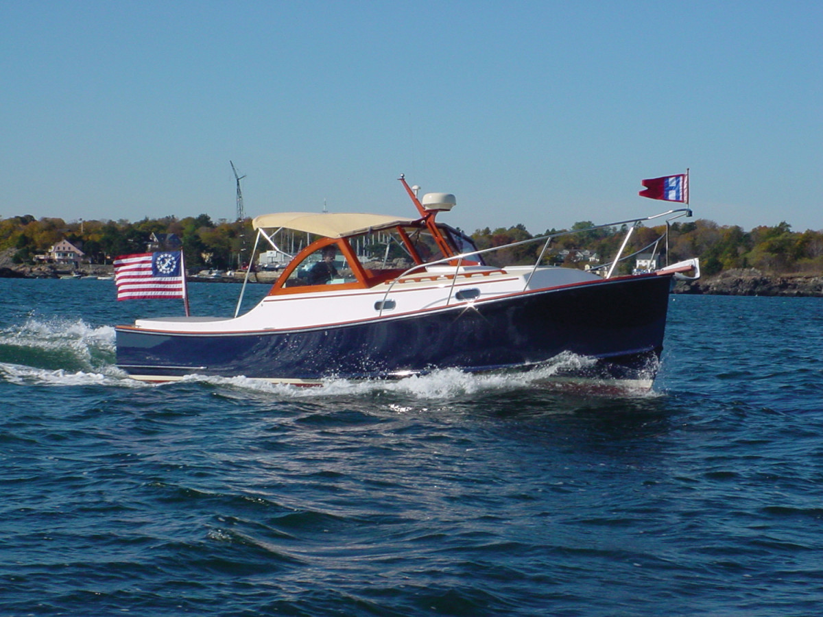 One look at this Wasque 30 underway, and it's easy to see why these lines have consistently attracted such loyal fans.