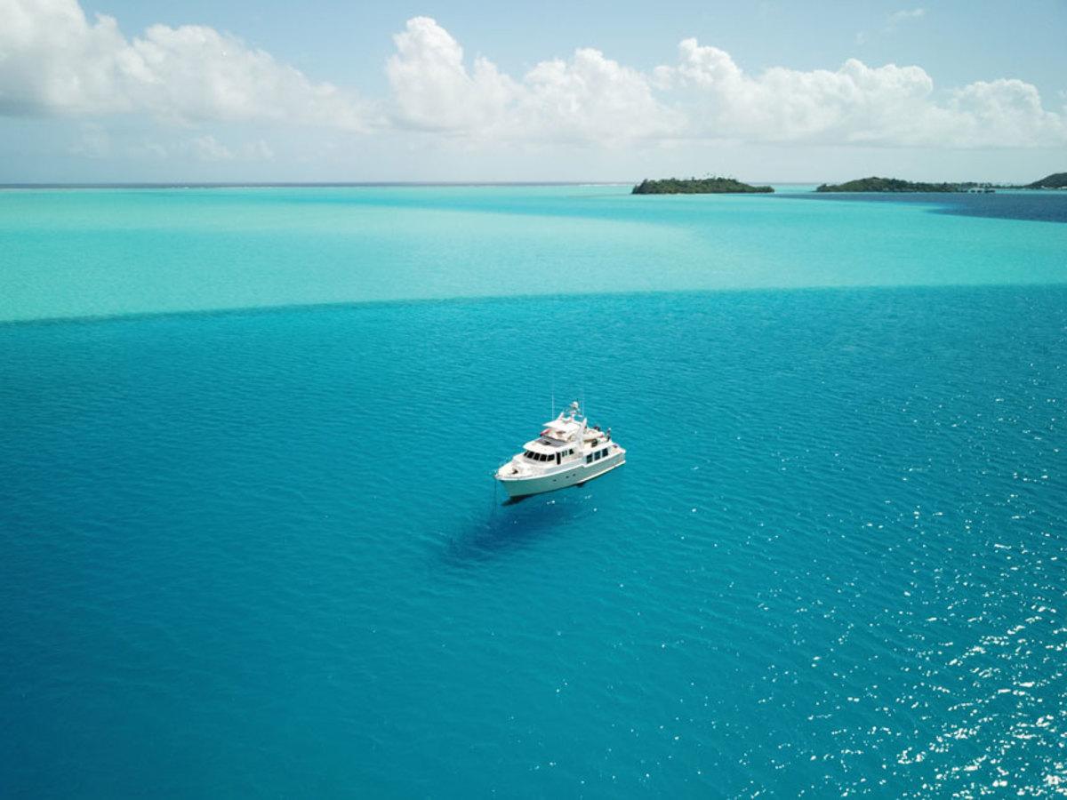 Duet-in-the-eastern-lagoon-of-Bora-Bora