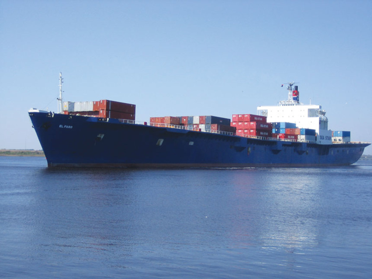 El Faro on a previous voyage. The open ports on 2nd deck are clearly visible along the hull's side. On her last trip, containers were stacked four-deep across almost the entire ship.