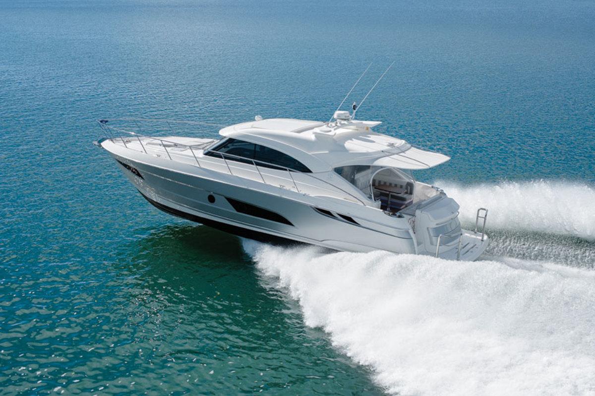 riviera-4800-sport-yacht-saloon-running-shot