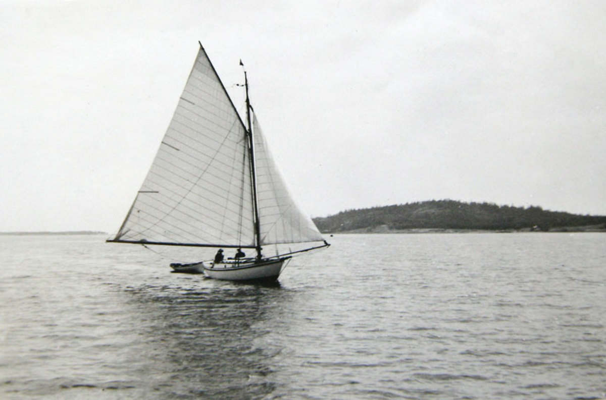 Dorothy is the oldest registered  sailboat in Canada.