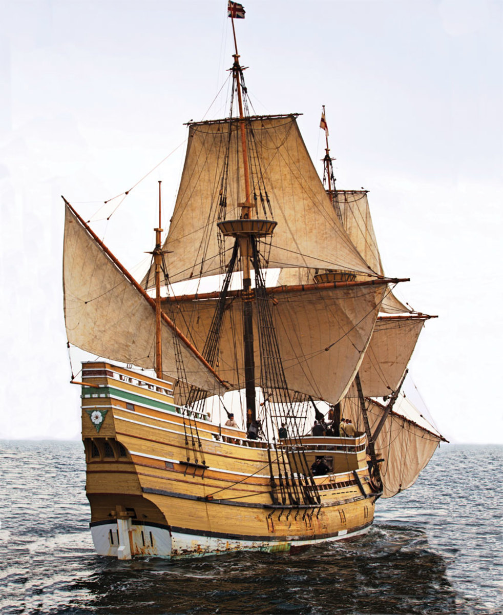 Mayflower II broad reaching in 2014,  shortly before restoration began.