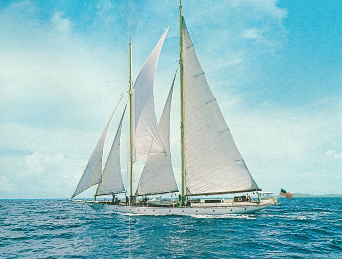 Le Voyageur under sail. She was identical to her sistership, except for her Marconi rig. Ramona sported a gaff rig.