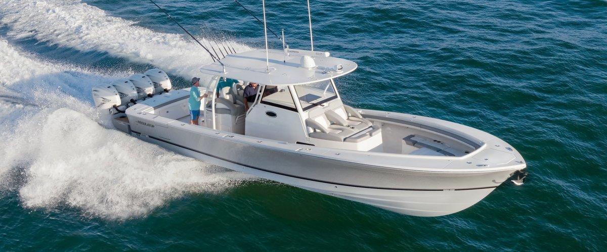 41-regulator-boats-center-console-running-offshore_2500