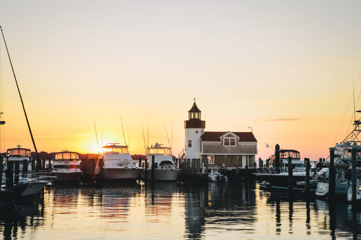 The marina at Saybrook Point Inn & Spa can  accommodate boats from 13 to 140 feet.