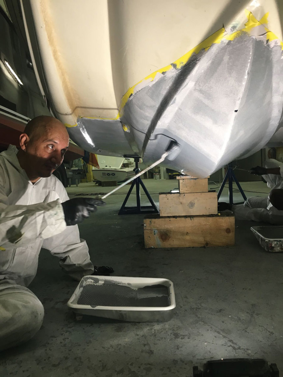 SLIPS antifouling can be applied to hulls by rolling or spraying.