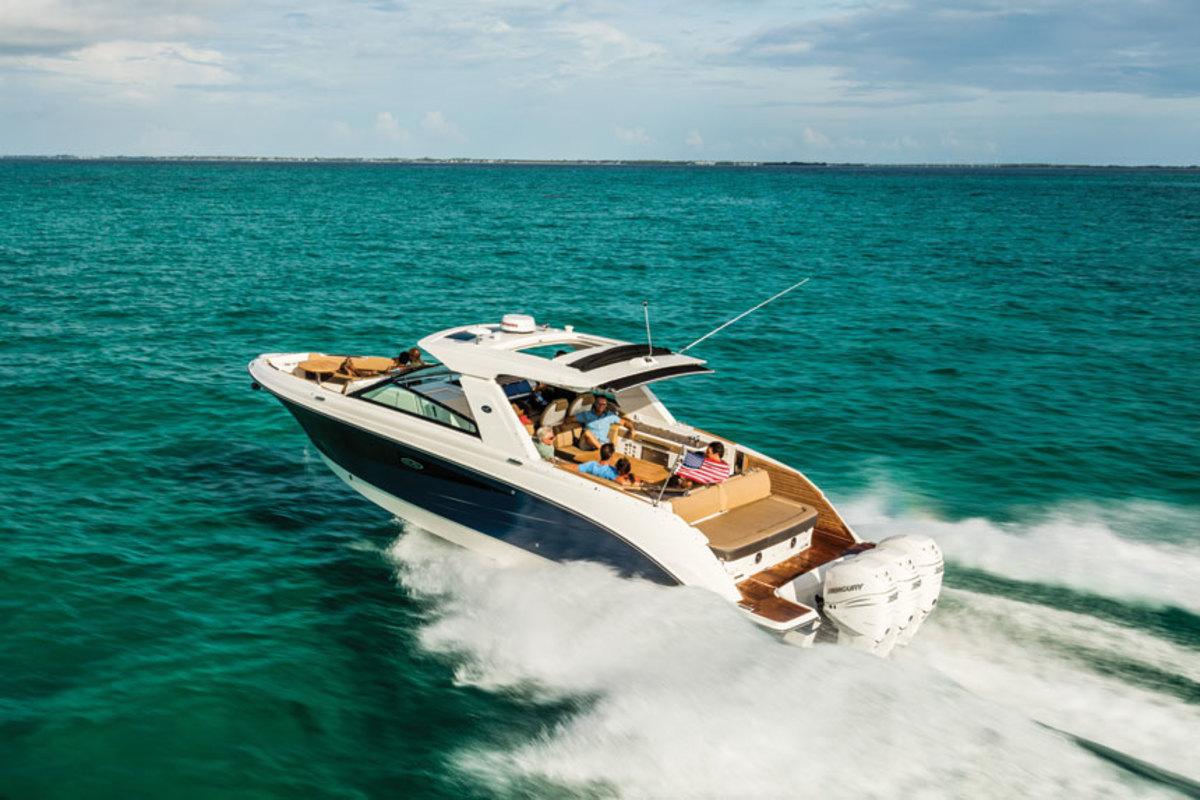 Sea Ray SLX 400 Outboard