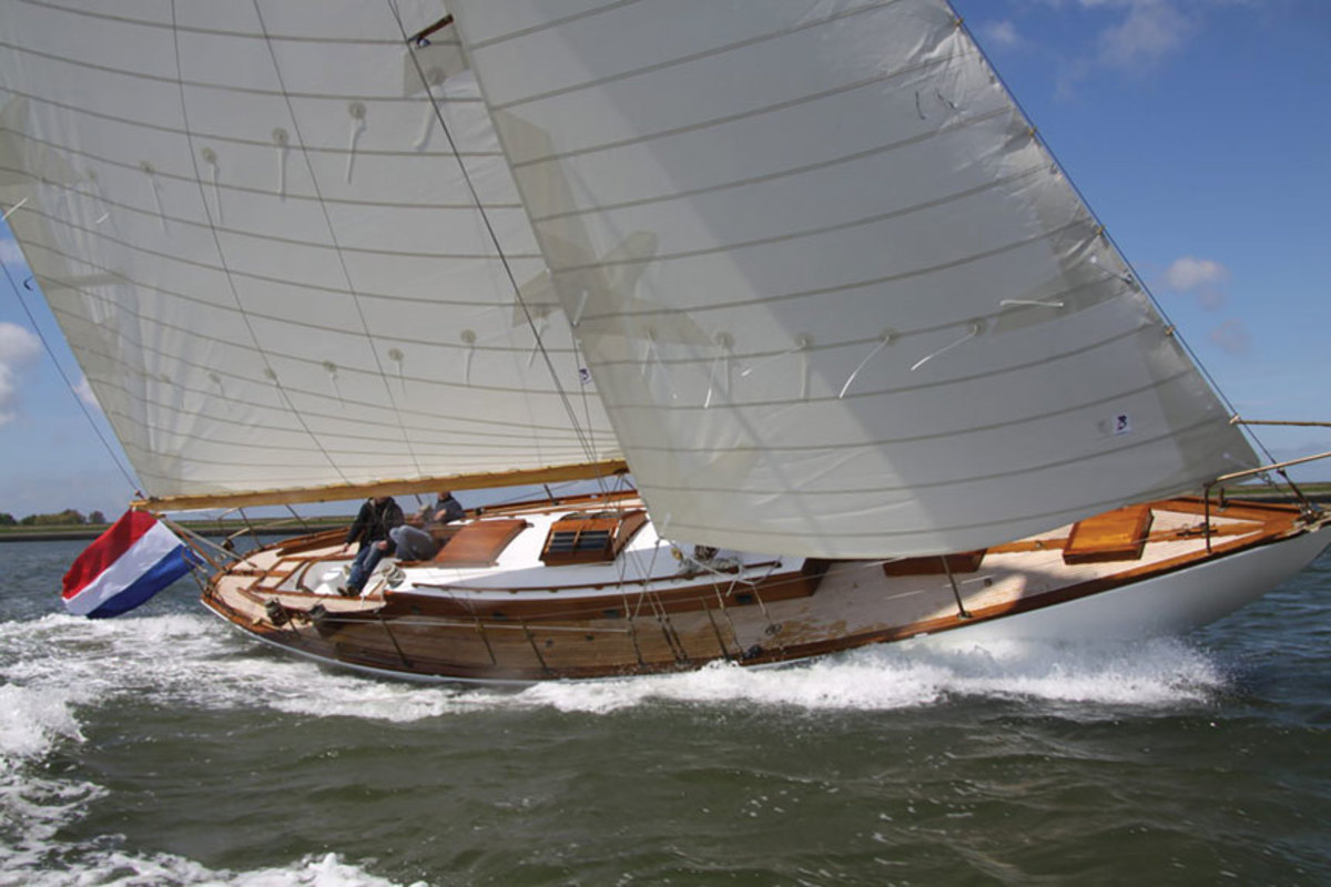 wooden-sail-boat-side-view