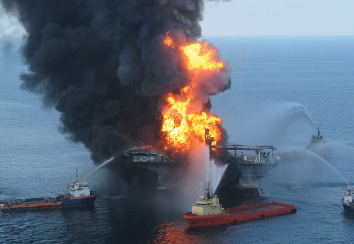 oil-rig-fire-coast-guard