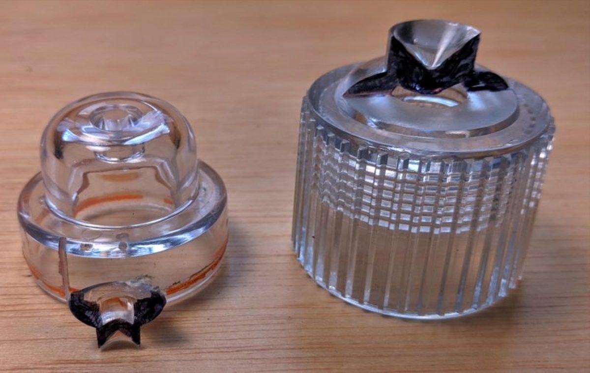 Orion LED distress optics compared to Sirius Signal design