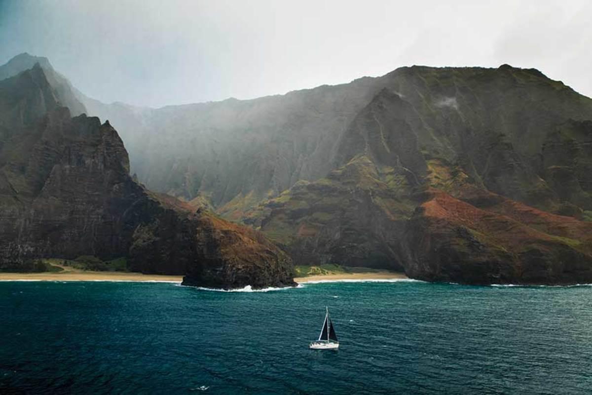 A Beneteau off the Nā Pali Coast of Kauai, Hawaii.