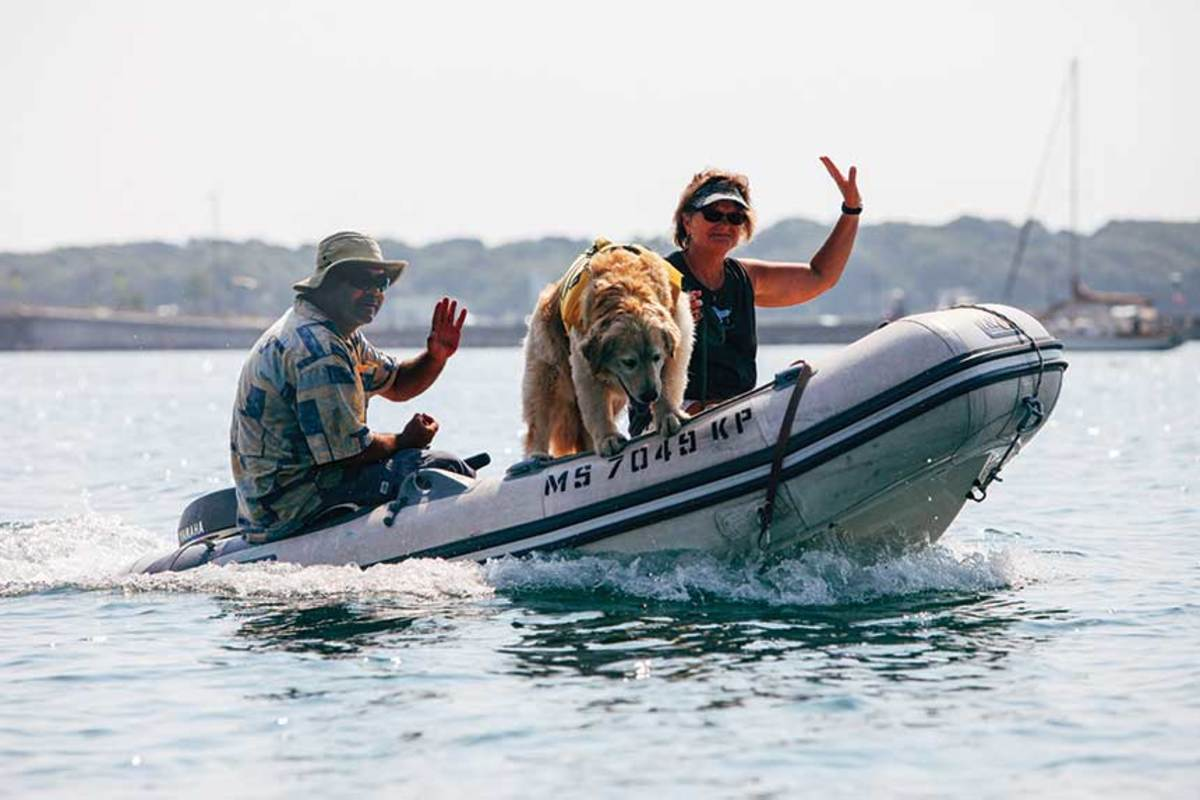 Friendly boaters in Vineyard Haven
