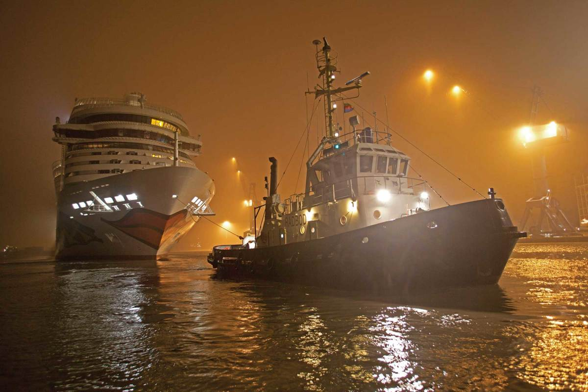 Know your nav light patterns, especially the difference between tugs towing astern and alongside or pushing ahead.