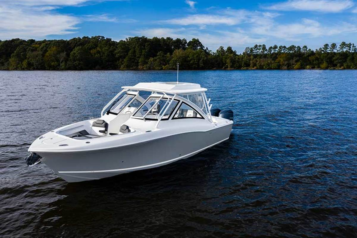 "LOA: 33'8""  Beam: 10'8""  Displ.: 12,500 lbs.  Fuel: 275 gals.  Water: 28 gals.  Power: (2) 300- or 350-hp Yamahas  Price: $342,900"