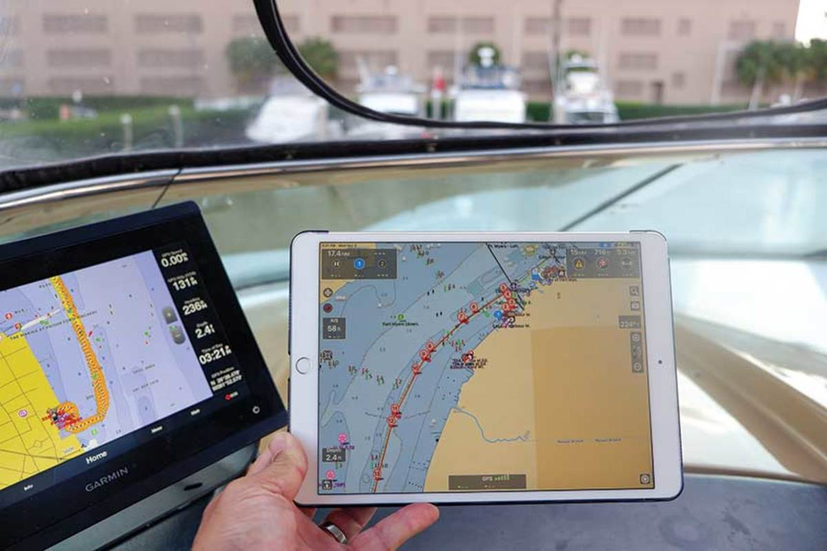 The Aqua Map app shows a route down the Caloosahatchee River, with Route Explorer data visible in the top right corner.