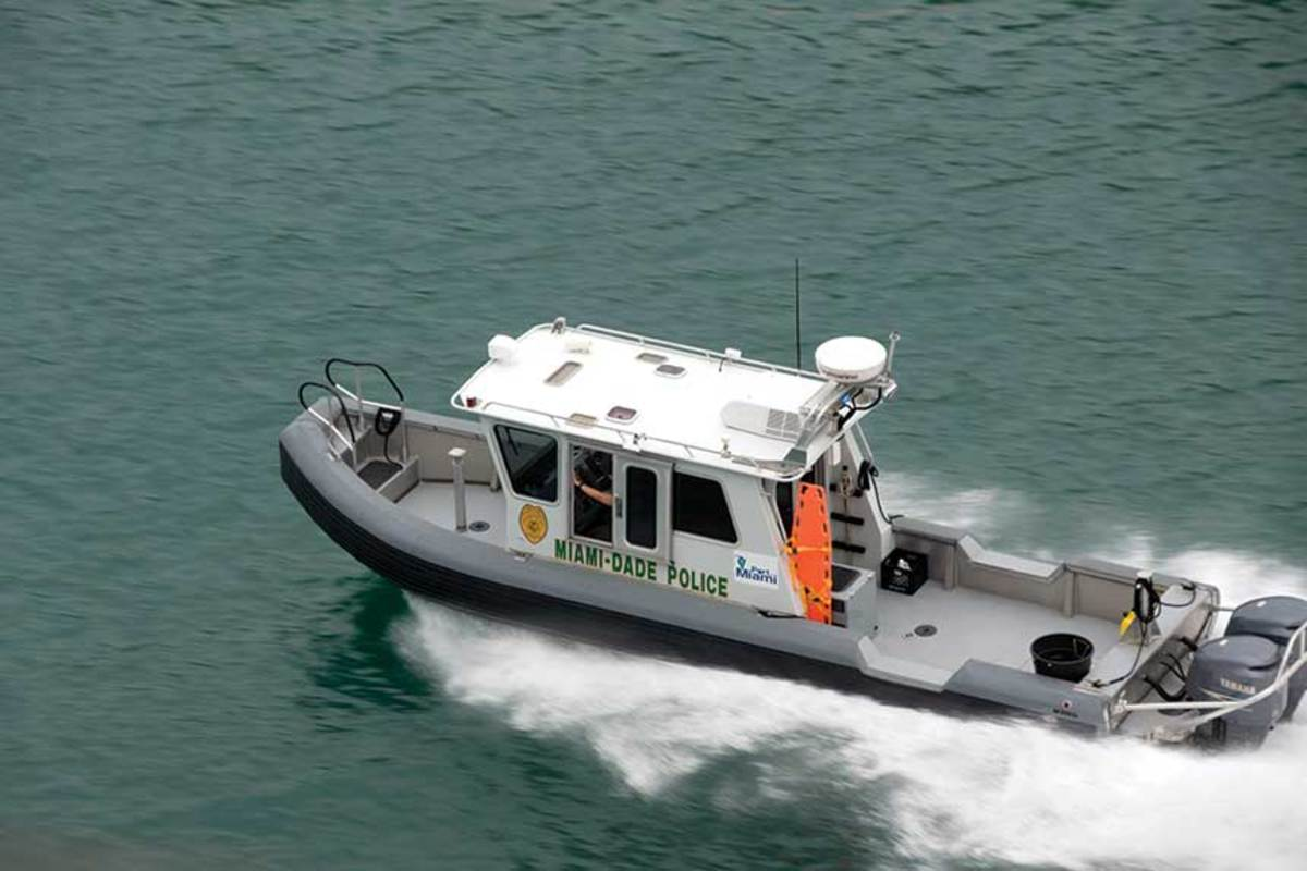 The proposed law would require Florida boaters to slow down to minimum wake within 300 feet of an emergency vessel.