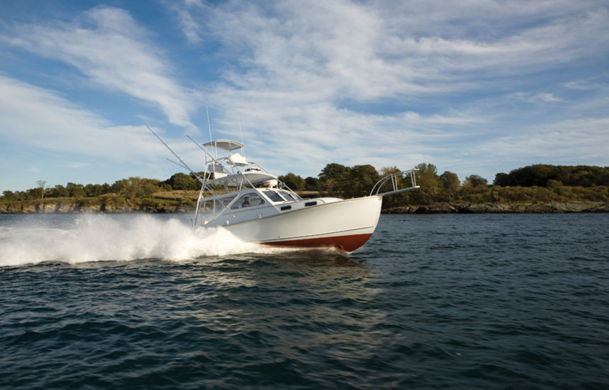 The singer says he built this Ellis 36 to fish the canyons for tuna.