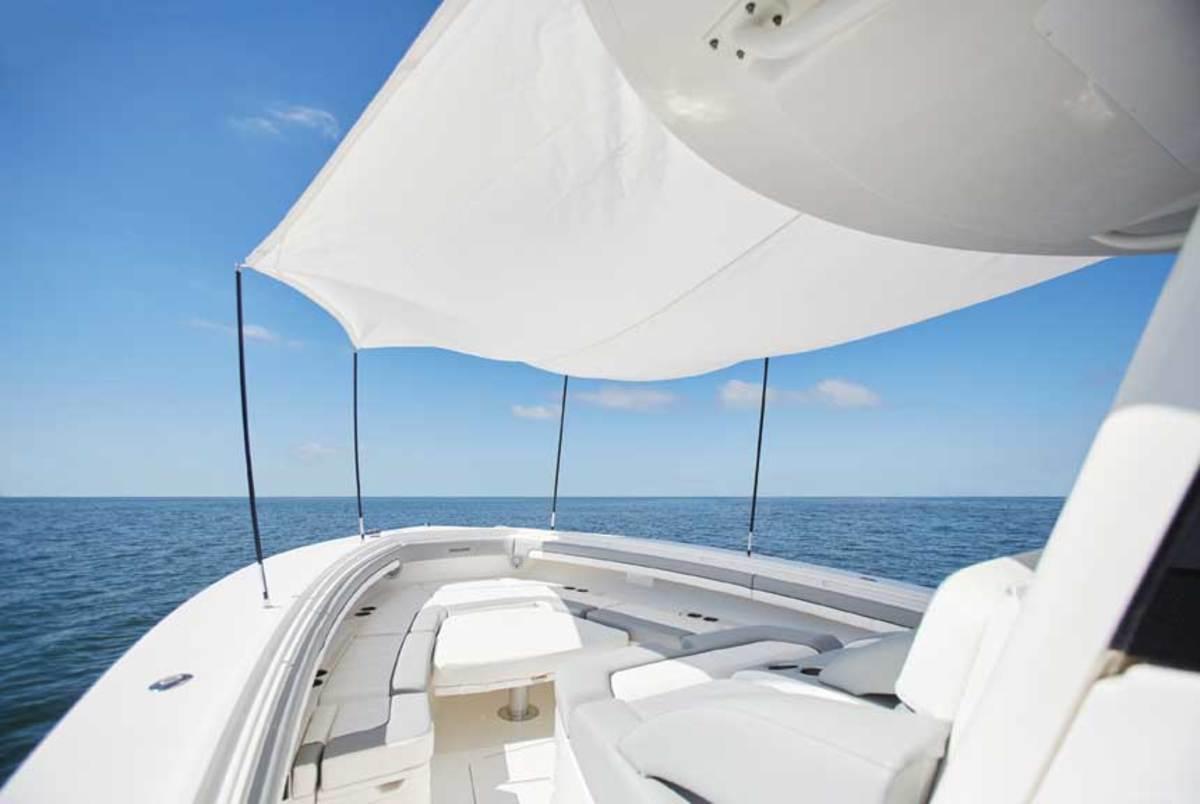 41-regulator-center-console-boat-forward-sun-shade