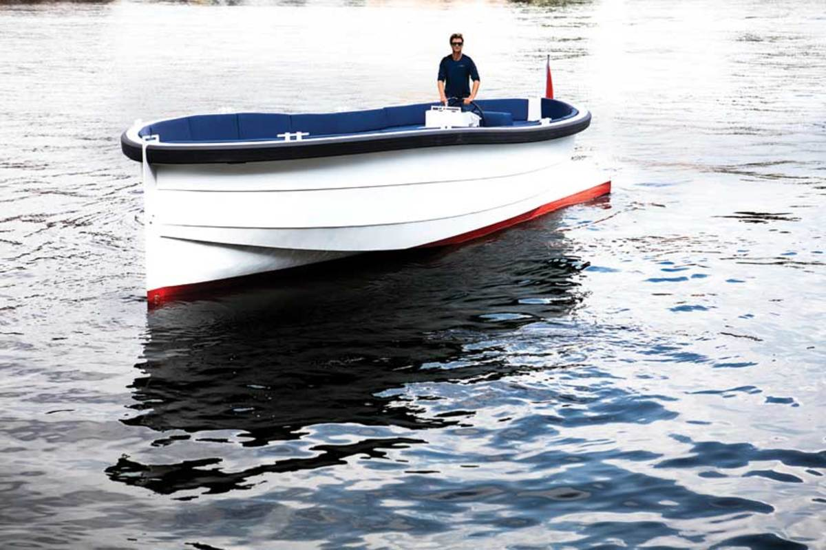 "LOA: 32'10"" / Beam: 10'6"" / Draft (engines up): 1'4"" / Displ.: 7,055 lbs. / Fuel: 132 gals. / Water: 26.4 gals. / Power: (1) 350-hp Mercruiser ECT 6.2L Bravo III I/O  / Price (base): $209,000"