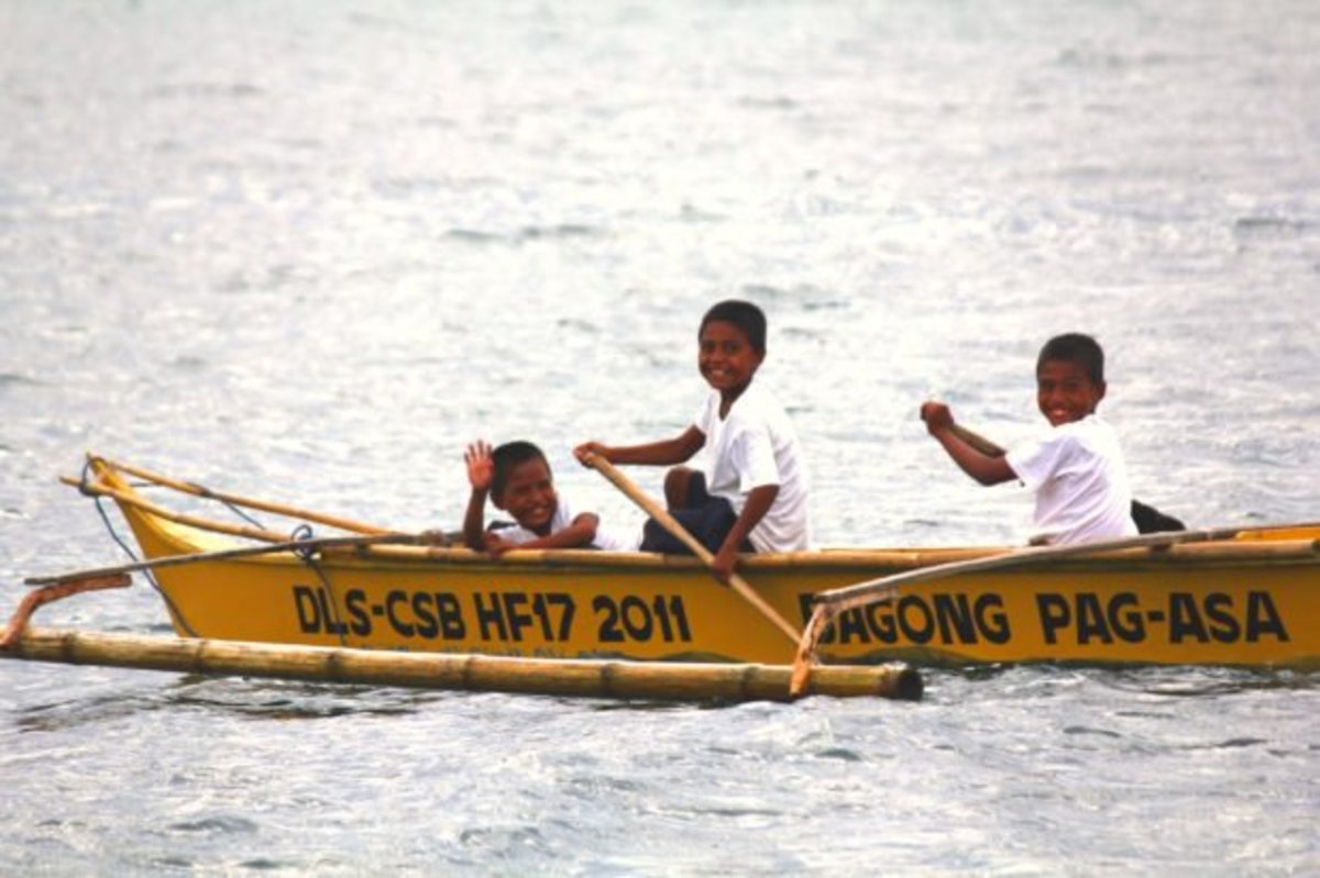 Rowing-to-school-new-620x413