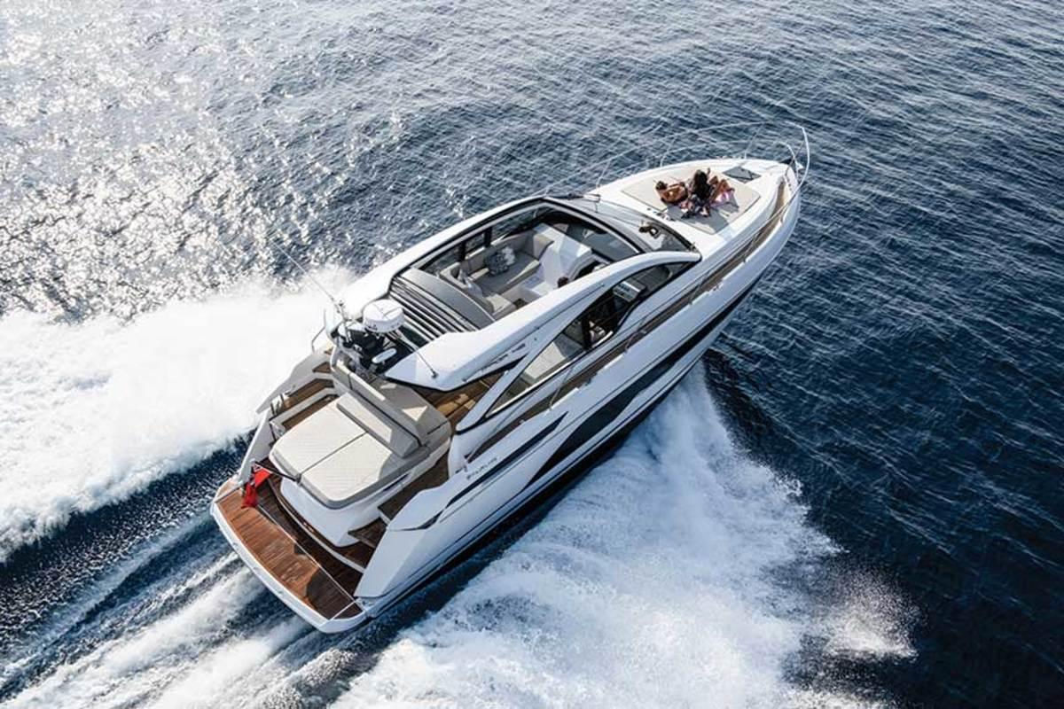 "LOA: 45'7"" / Beam: 14'2"" / Draft: 3'10"" / Fuel: 343 gals. / Water: 105 gals. / Power: (2) 435-hp Volvo Penta IPS600s"