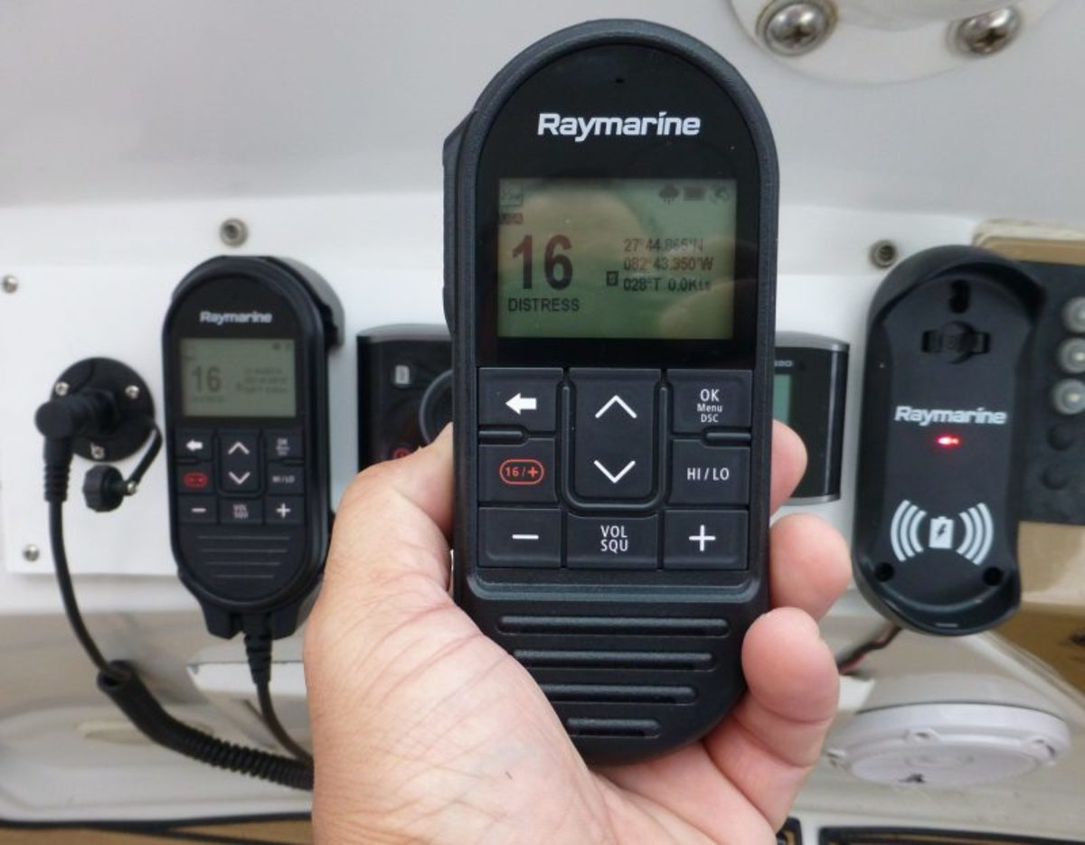 raymarine-ray90-wireless-handset-cPanbo-e1547990997293-800x623