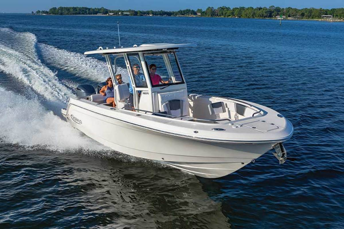 "LOA: 27'4"" / Beam: 9'6"" / Weight: 7,000 lbs. / Power: (2) 200-hp Yamaha F200 4-strokes / Price: $119,985"