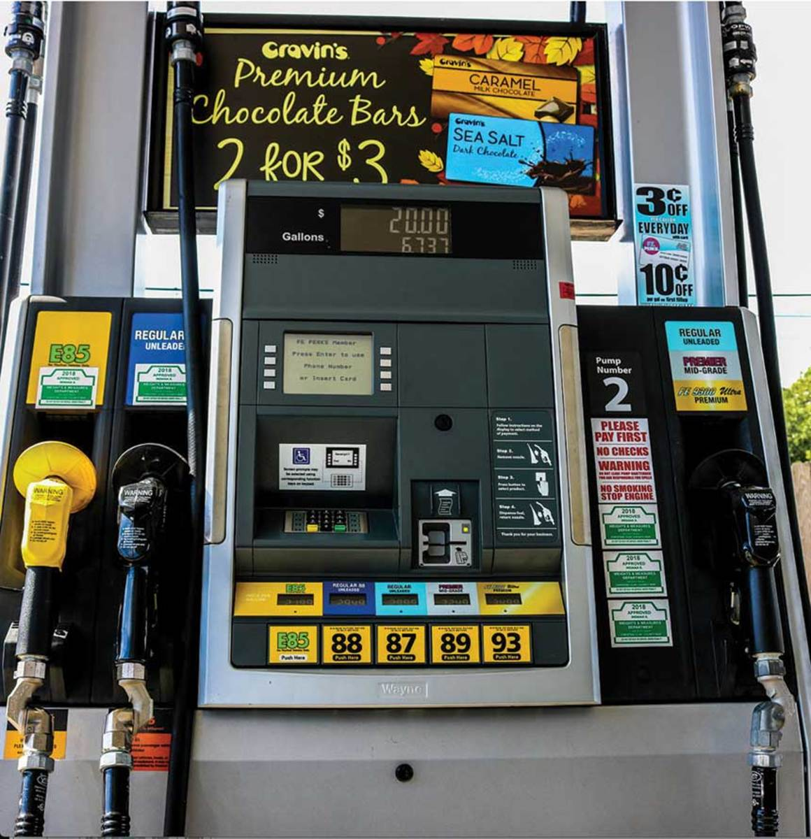 Opponents of E15 fuel say pumps are not clearly marked to warn boat owners that ethanol-based content can damage their  marine engines.