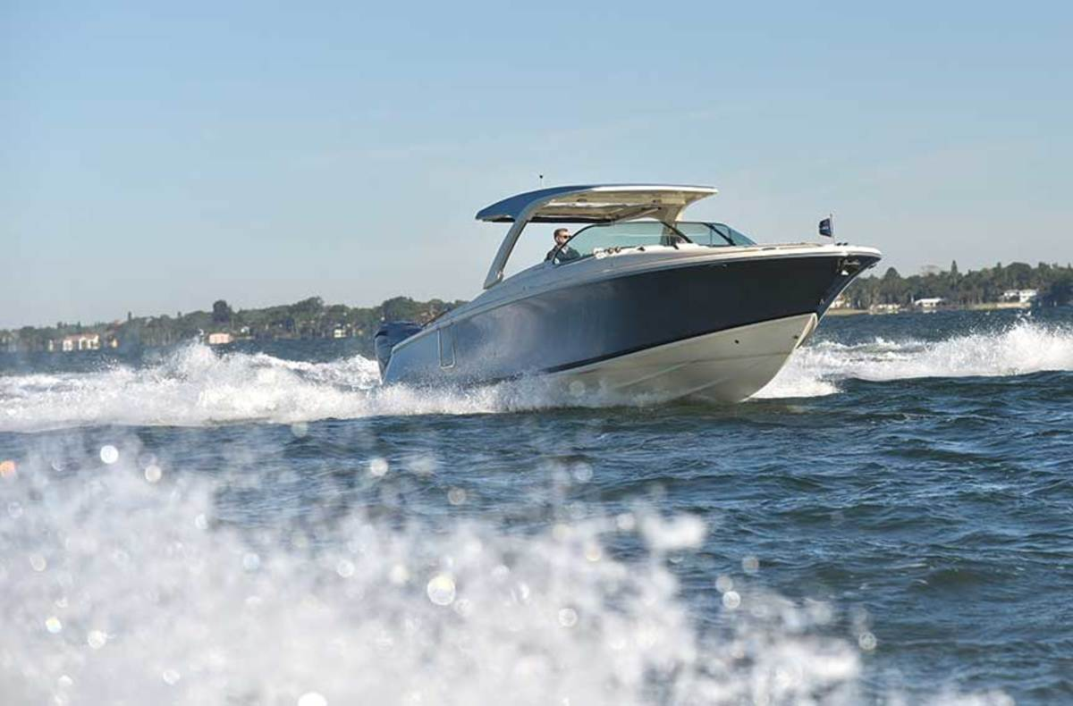"LOA : 34'9"" / Beam: 10'10"" / Draft (engines up): 1'11"" / Displ.: 13,400 lbs. / Fuel: 185 gals. / Power: (2) 425-hp  Yamaha XF425 4-strokes / Price: $530,000"