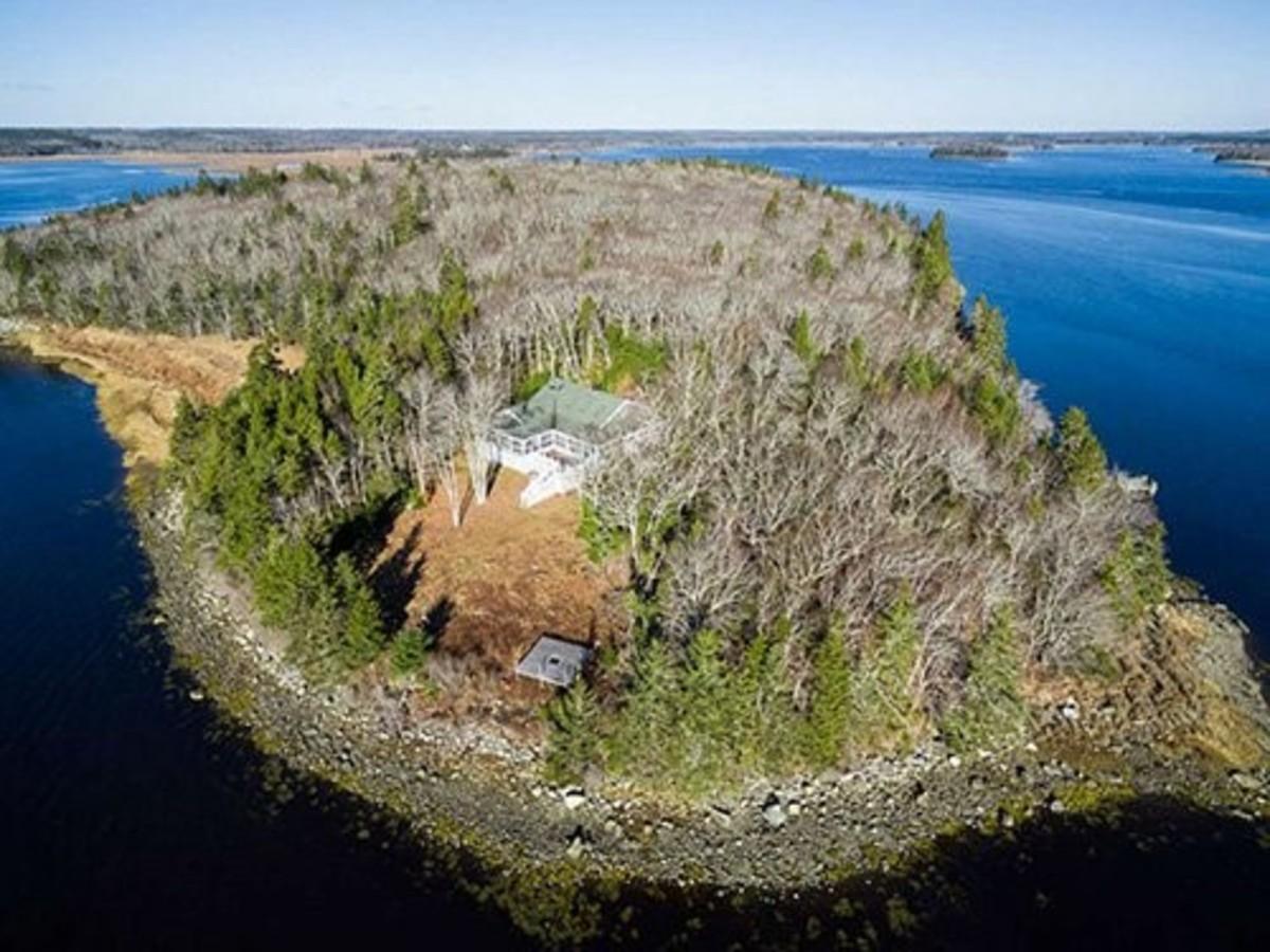 100-acre-private-island