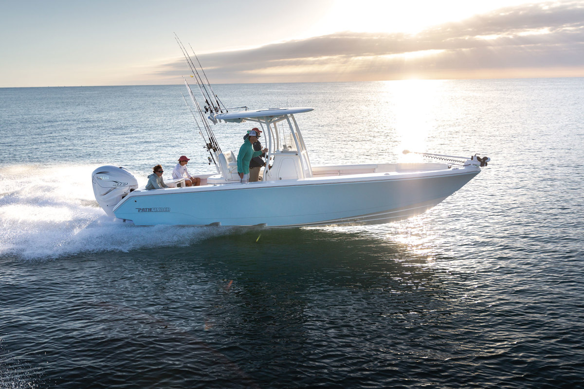 "LOA: 27' , Beam: 9'4"",  Weight: 4,934 lbs.,  Fuel: 90 gals.,  Power: (1) 425-hp Yamaha XTO 4-stroke, Base price: $134,480"