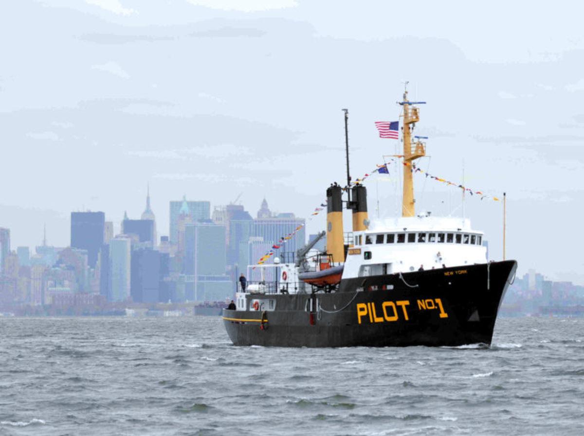 pb-new-york-pilot-boat-800x598
