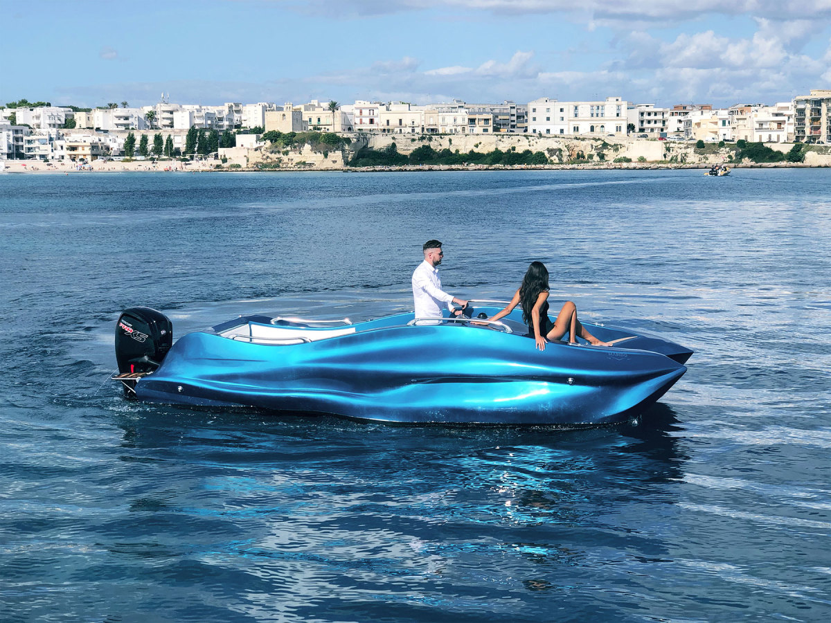 Moi Composites debuted Mambo, the world's first 3D-printed fiberglass boat, at the Genoa International Boat Show.