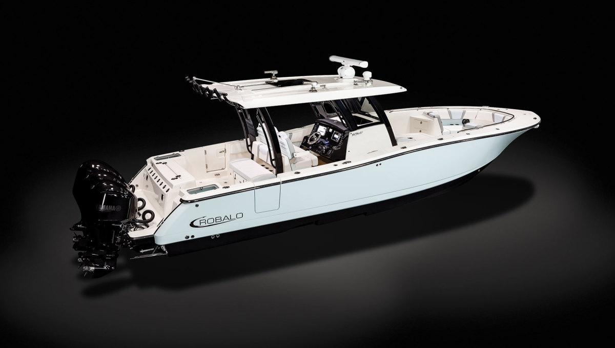 The Robalo R360 is the builder's largest model to date and the first Robalo to feature a stepped hull design by Michael Peters.