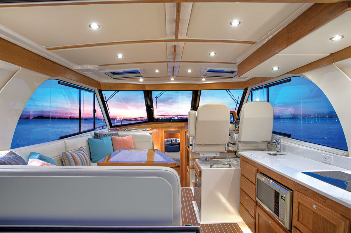 The 39O pilothouse is open and bright and has excellent visibility.
