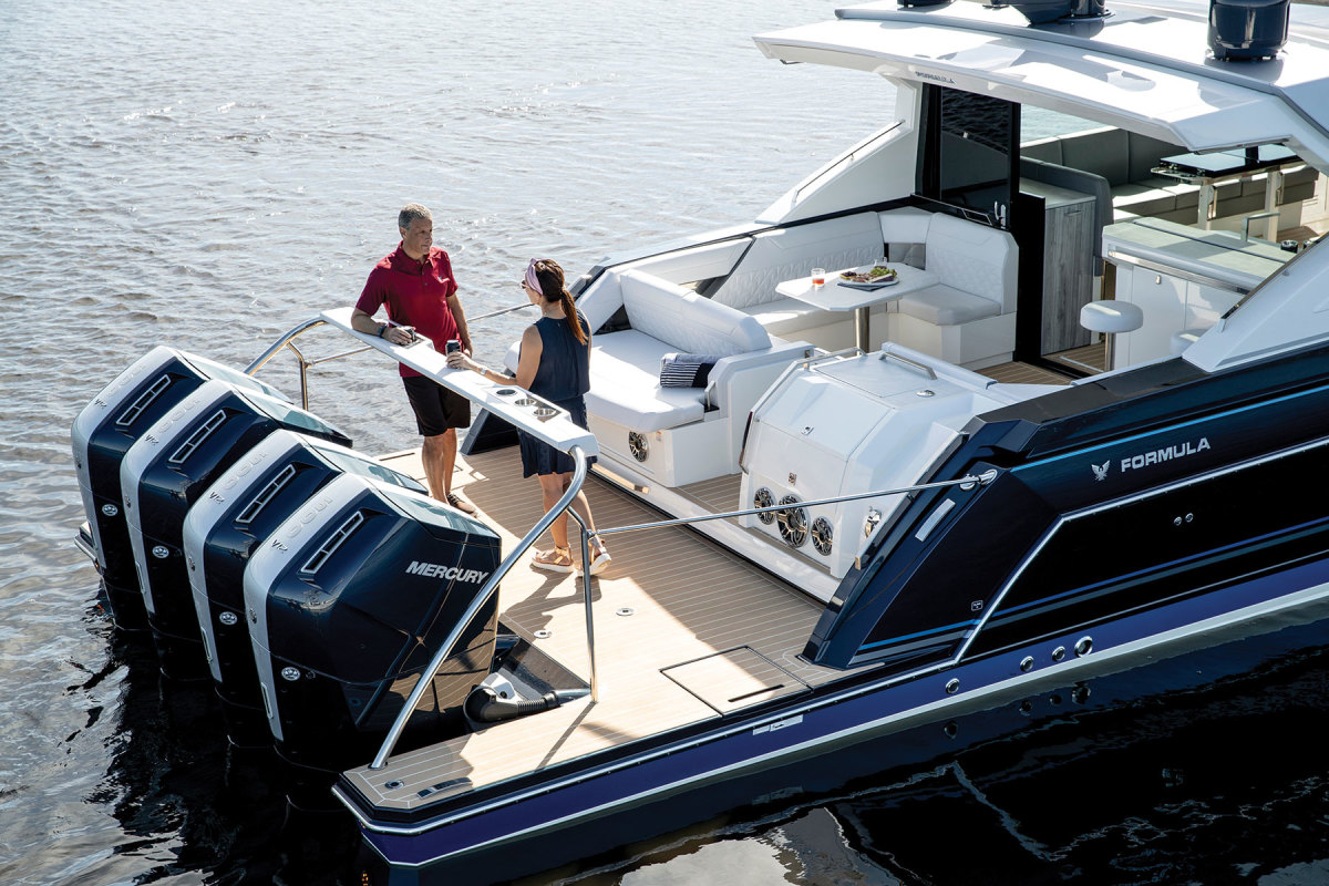 The 600 is best suited for big, luxury boats like this Formula 500 SSC.