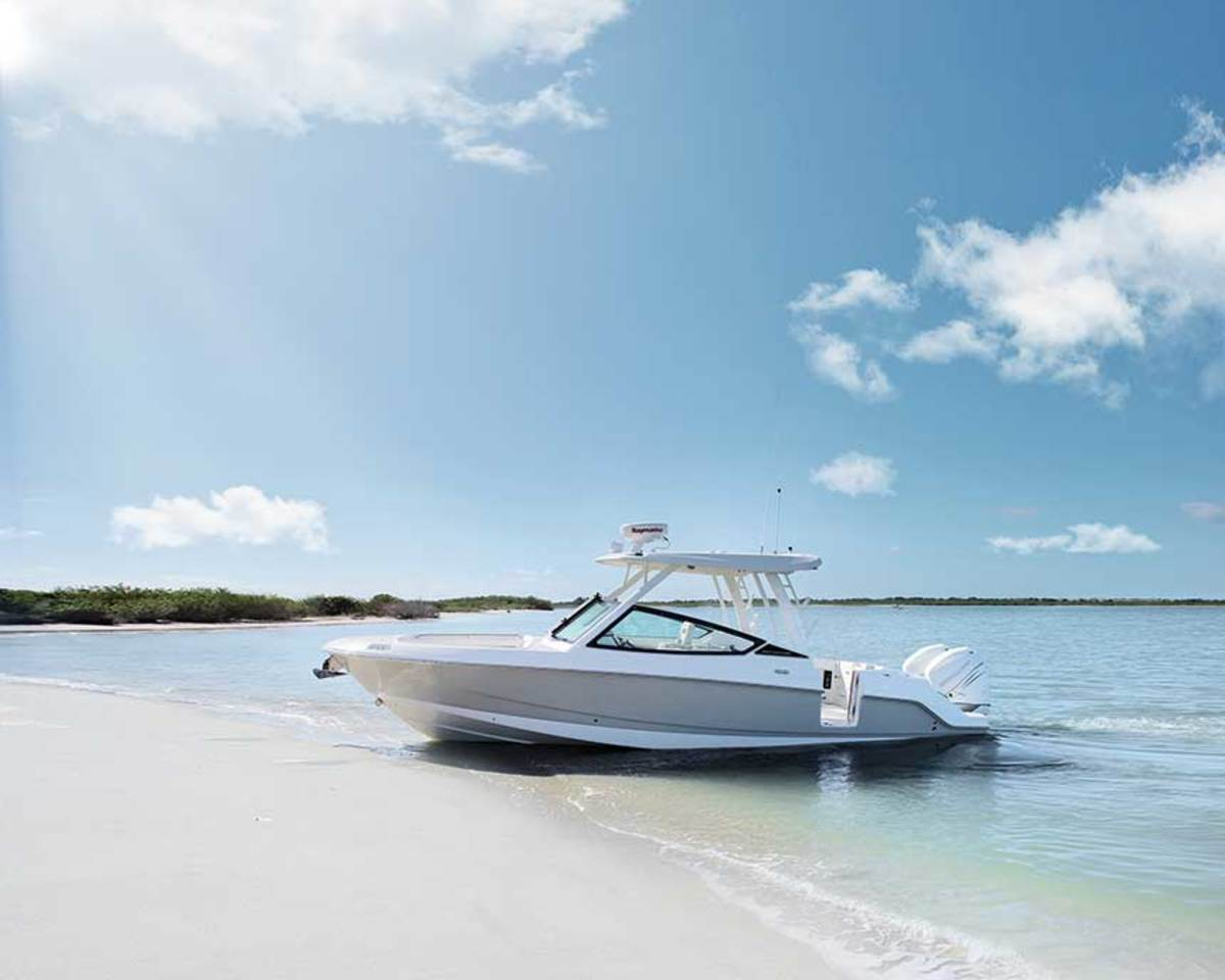 The 280 has a new hull and standard features for offshore and coastal cruising.