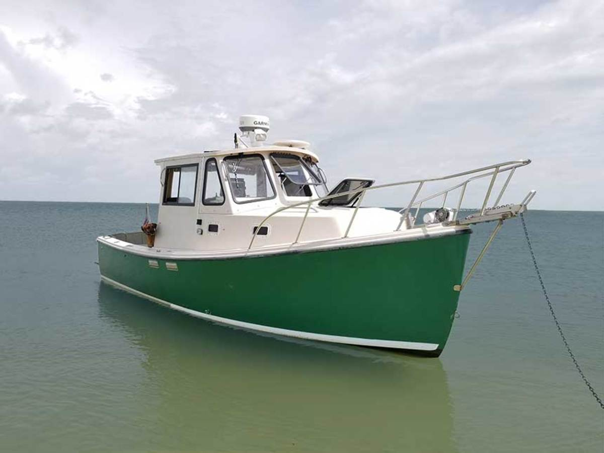 "LOA: 24'10"" , Beam: 8'6"" , Draft: 2'6"" , Weight (approx.): 6,400 lbs. , Power: (1) 180-hp Yanmar diesel inboard , Fuel: 60 gals. Water: 20 gals."