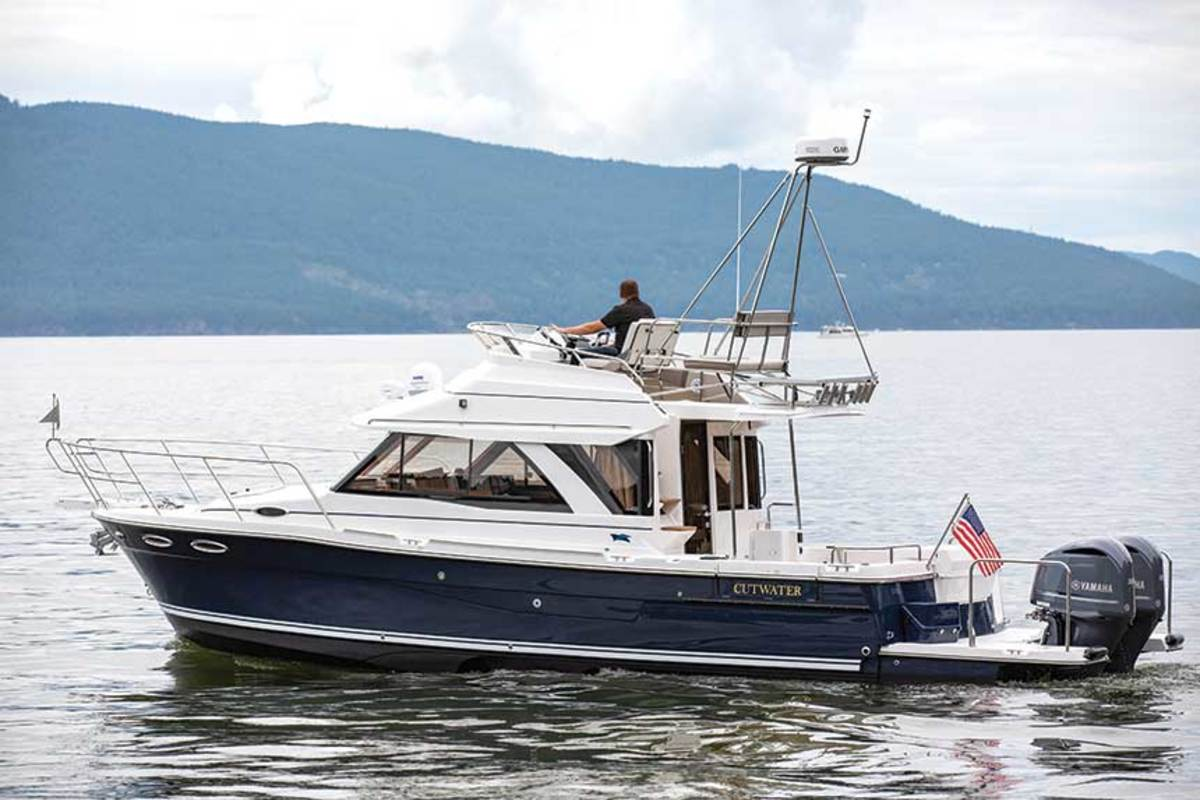 """LOA: 37'8"""" , Beam: 10' , Weight: 12,000 lbs. , Fuel: 300 gals. , Water: 80 gals. , Power: (2) 300-hp Yamaha F300 4-strokes,  Base Price: $309,937"""