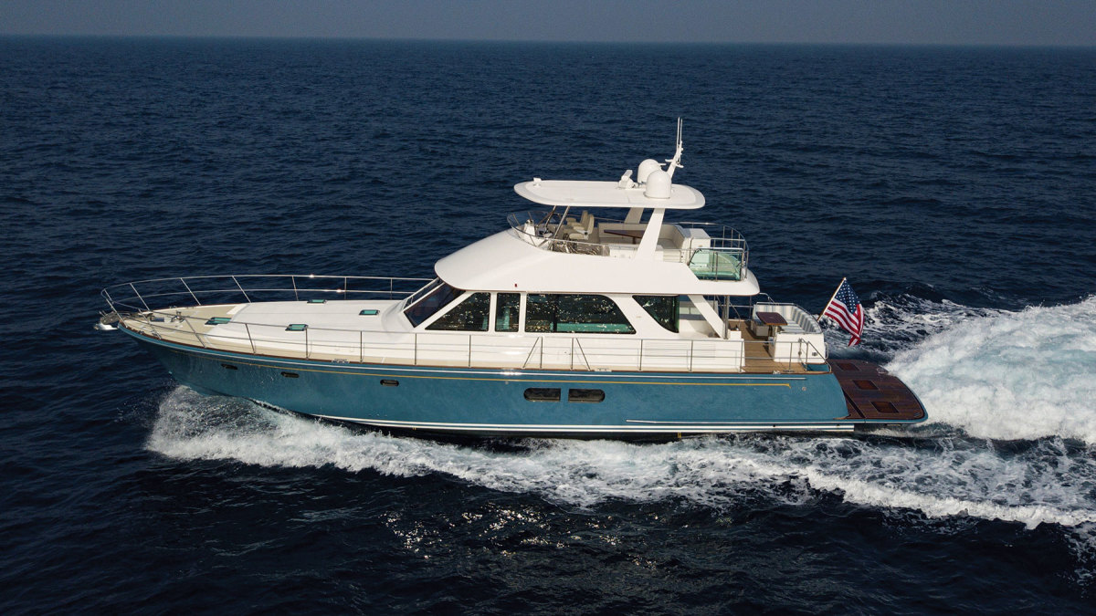 The Hunt Ocean 63 was designed by Ray Hunt Design.