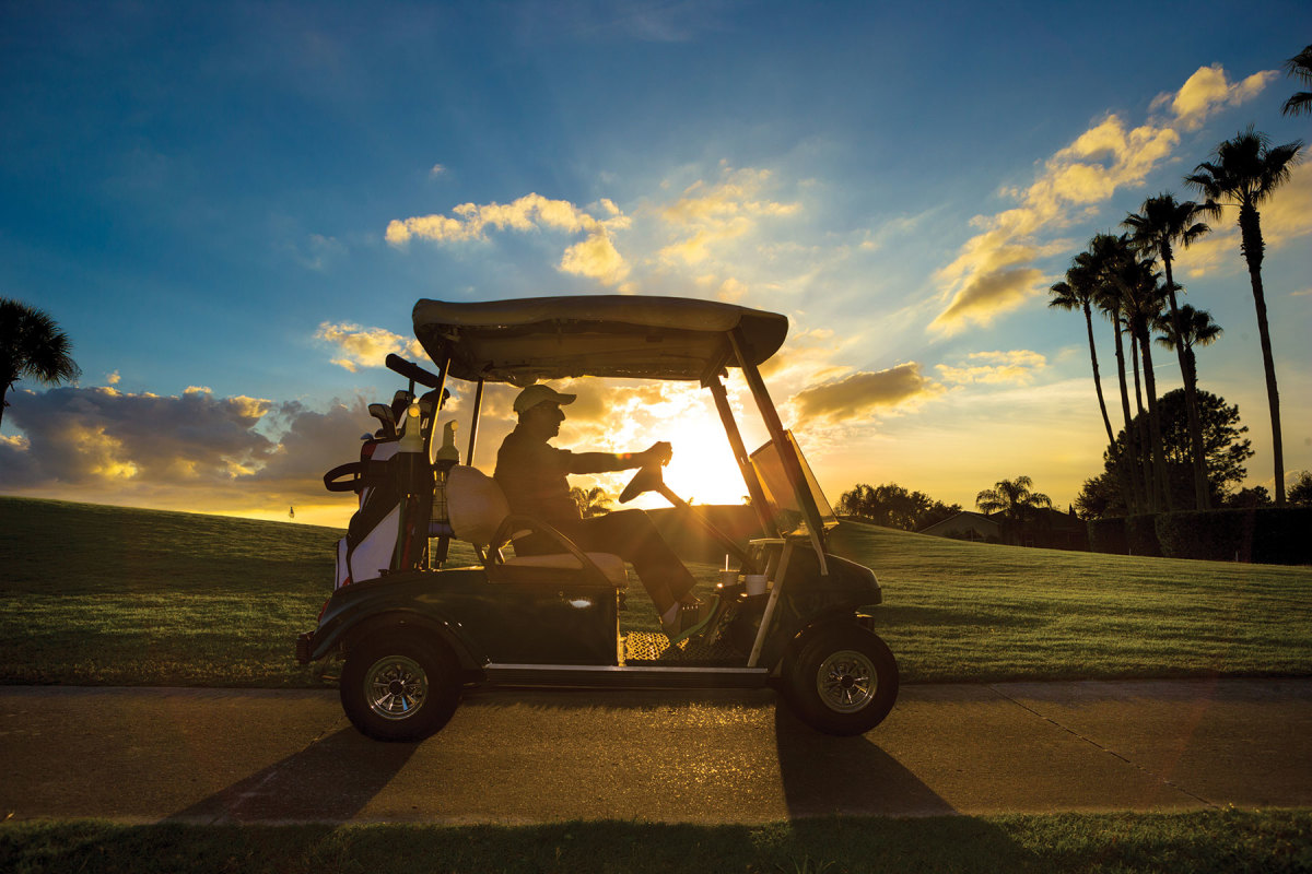 Access to the oceanfront golf course is free